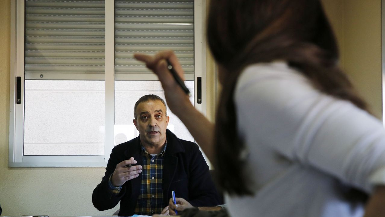 Os Blancos aprueba entre reproches el trasvase de servicios a la Diputación.Nano y Cotugno en el Almería-Oviedo de la 17/18