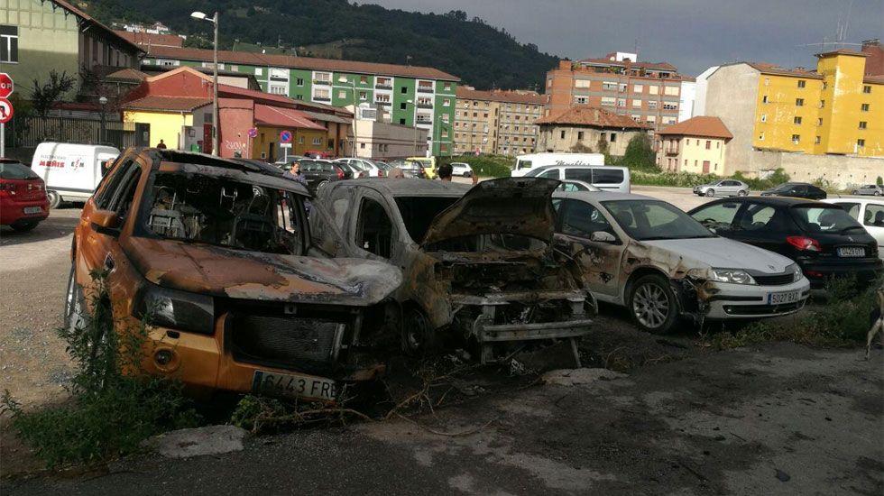 Coches quemados en Mieres