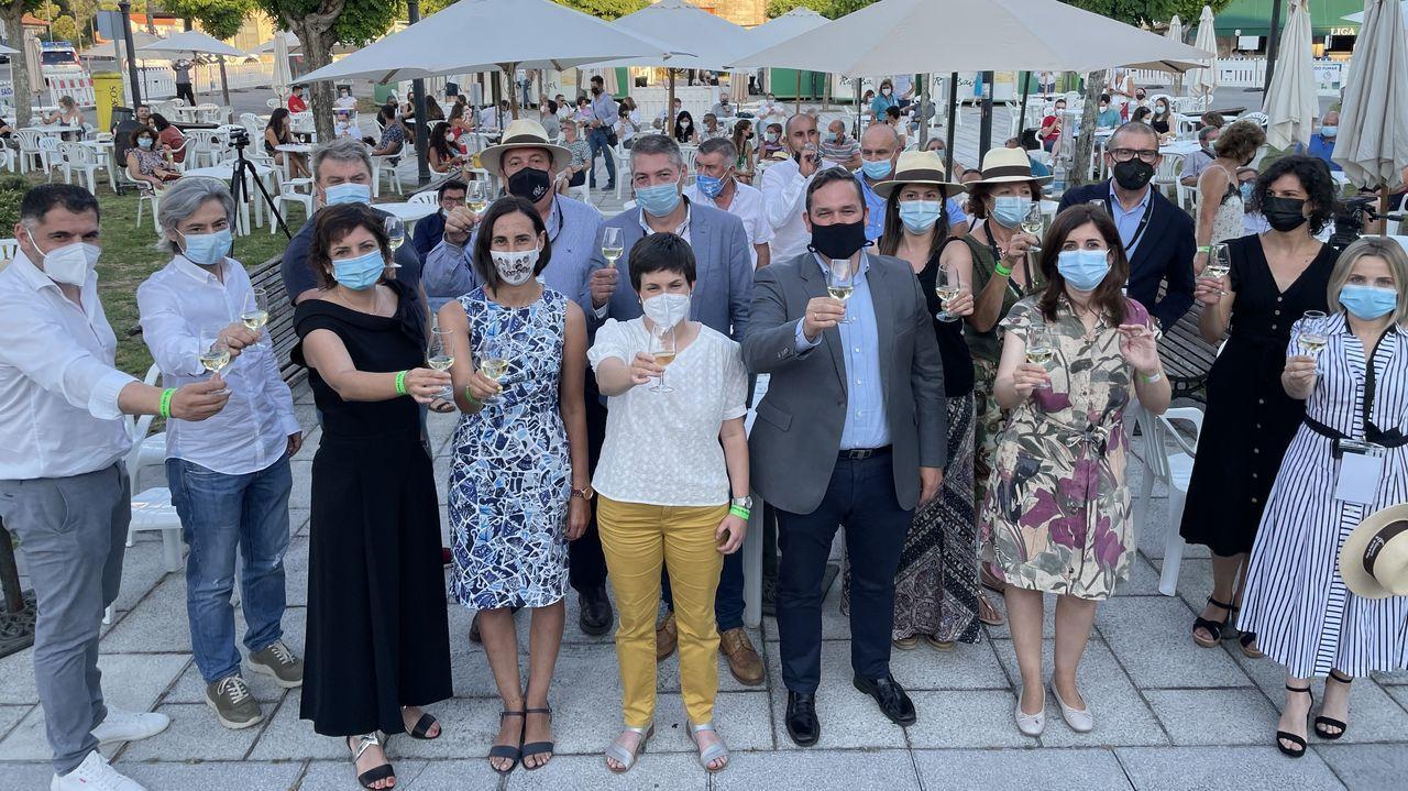 Clientes de un local de Vigo consumen con el certificado de vacunación