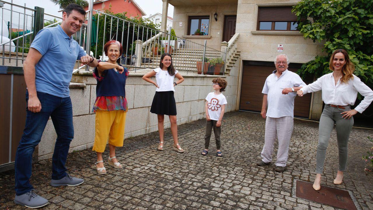 Feijoo en Os Peares, arranca la campaña electoral.La familia se reunió de nuevo en Sanxenxo y en su reencuentro mantuvieron todas las precauciones posibles