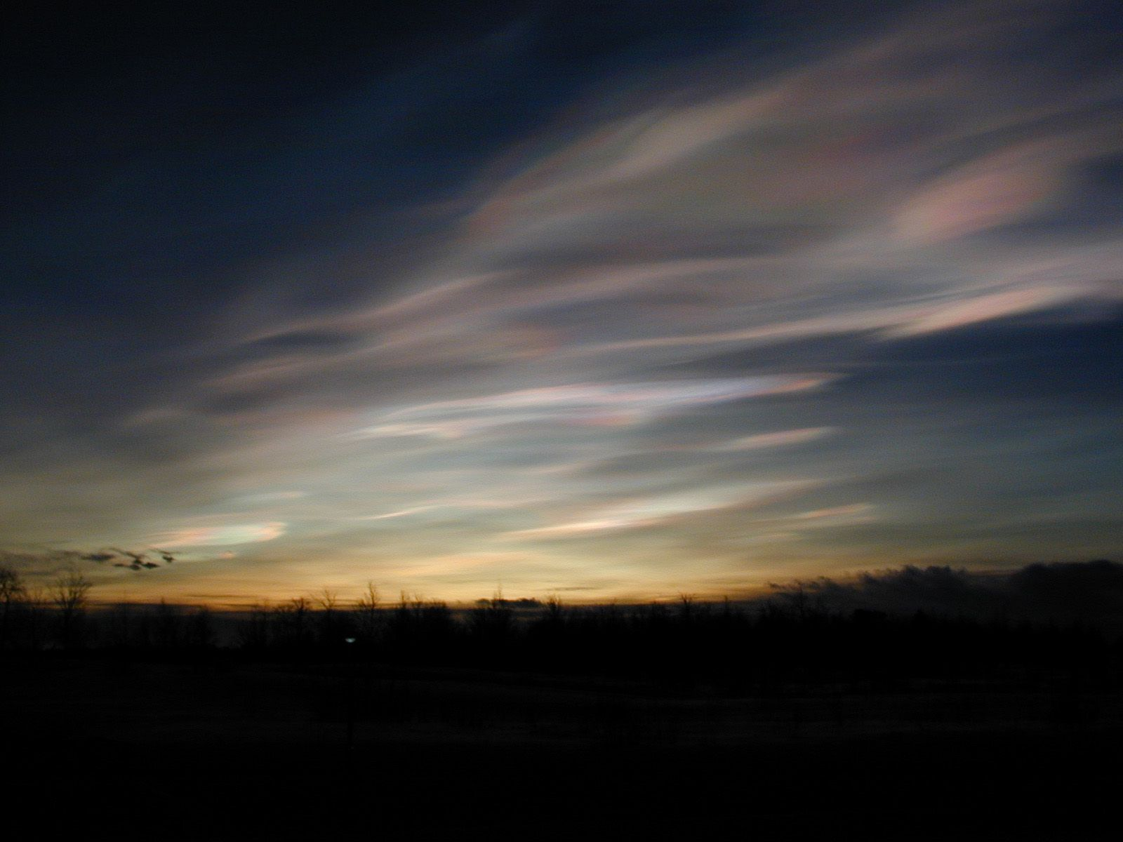 Los lameiros de Pedrafita.Las nubes estratosféricas polares son muy díficiles de observar