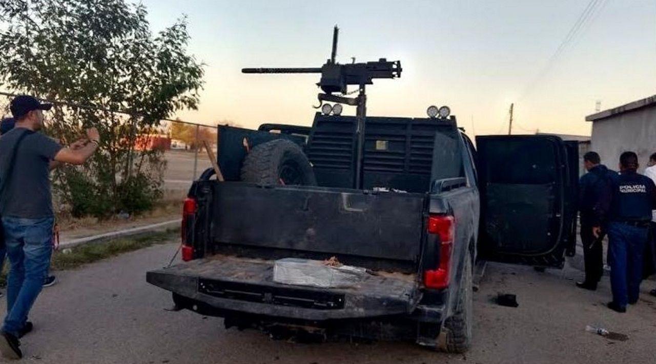 Un tiroteo de siete horas entre miembros del cartel del Nordeste y las fuerzas de seguridad  se saldó el sábado con 14  muertos en Villa Unión, fronterizo con Texas. En la huida abandonaron un vehículo con un arma automática