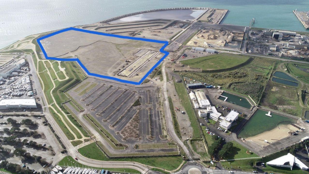 La zona donde actúa Navantia para preparar el puerto de Brest para la obra del parque de Saint Brieuc