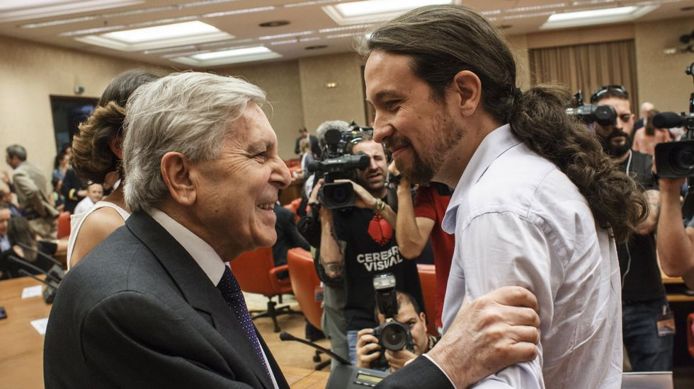 Sánchez ofrece a Puigdemont una reforma constitucional.El diputado de En Comun Podem Francesc Xavier Domènech