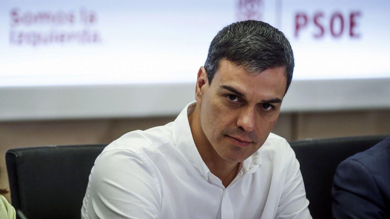 Susana Díaz pide a Pedro Sánchez que no le haga elegir entre el PSOE y Andalucía.El diputado socialista por Asturias, Antonio Trevín,