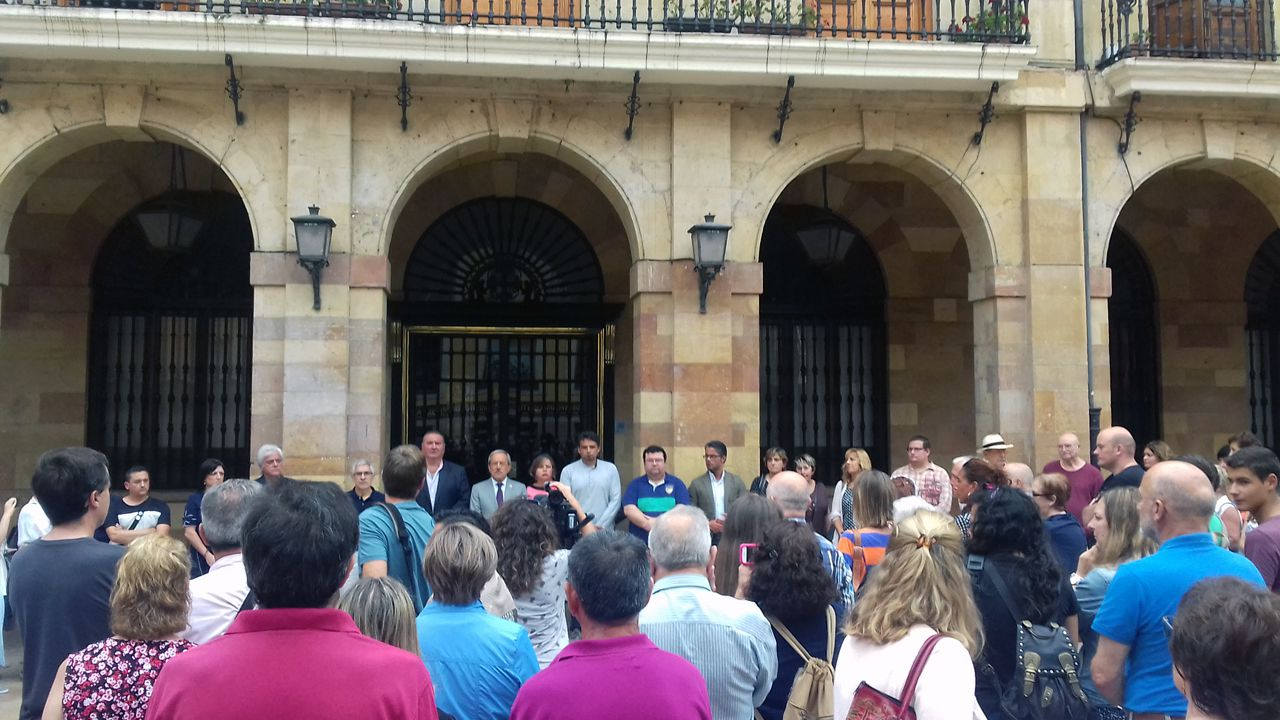 Concentración en Oviedo