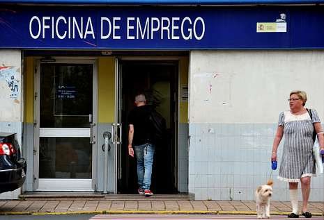 «Ferrol Mola».Señalización en Ferrol Vello.
