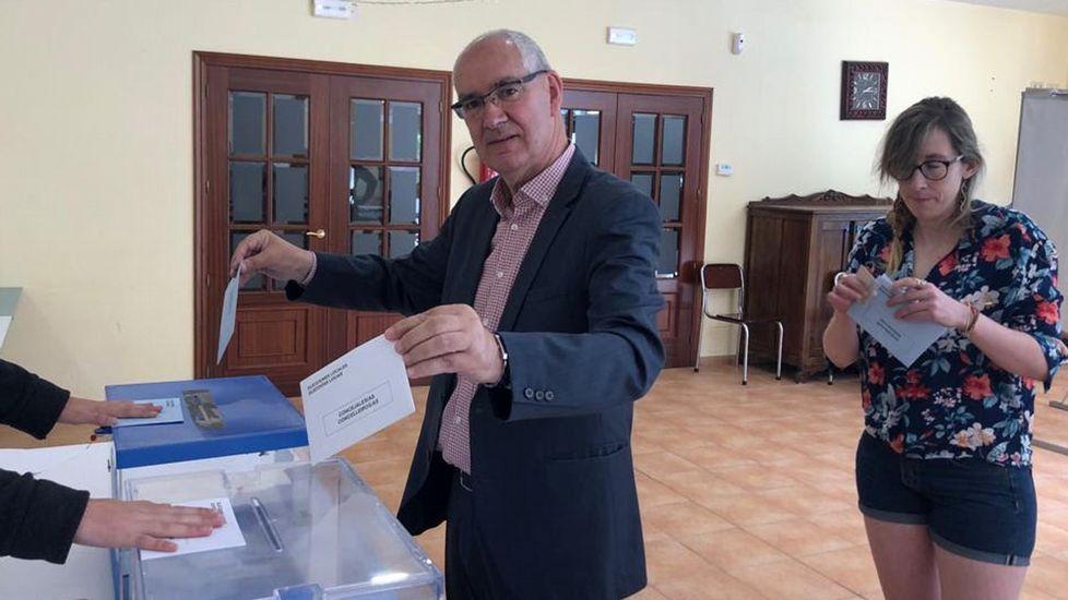 ELECCIONES 26M EN A LAMA: VOTACIÓN DEL CANDIDATO A LA ALCALDÍA POR EL PP, JORGE CANDA