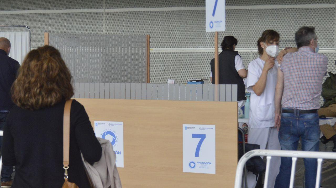 Continúa la vacunación contra el covid en el recinto ferial de Pontevedra, hoy con la segunda dosis de Pfizer para personas de 70 a 79 años