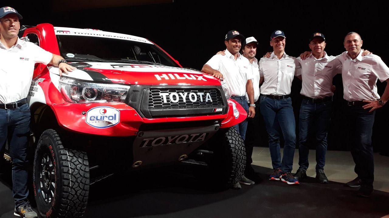 El monfortino Eduardo Iglesias se encuentra con Fernando Alonso en el desierto.David Castera, durante el reconocimiento del recorrido del Dakar 2020
