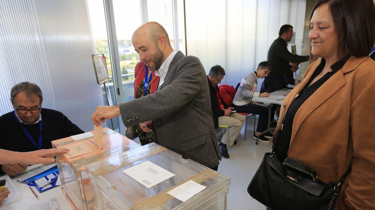 Luís Villares, portavoz de En Marea, votó en la Casa das Linguas