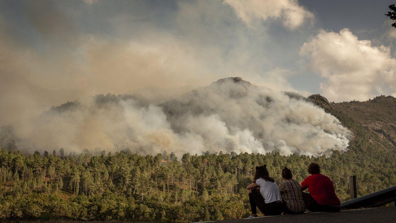 Incendio forestal en  el parque del Xurés, en Lobios