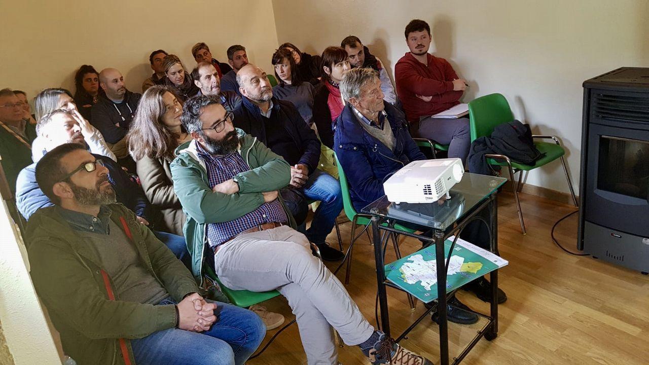 Campamentos, música, desfiles, xogos e liortas dan vida ao Friulio.Contra Produccións pone en escena el espectáculo de teatro clásico «Commedia»