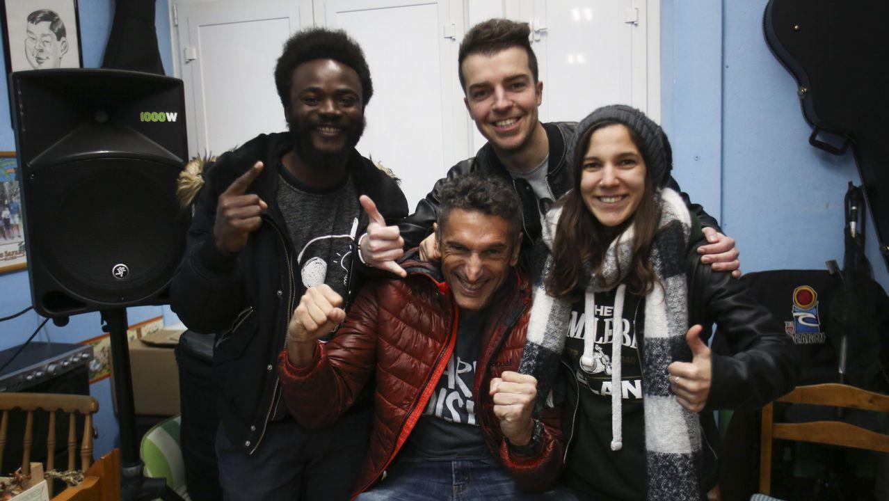 Sesión de investidura en el concello de Ferrol.El grupo Superglú actuará de forma desinteresada en la tómbola de la asociación