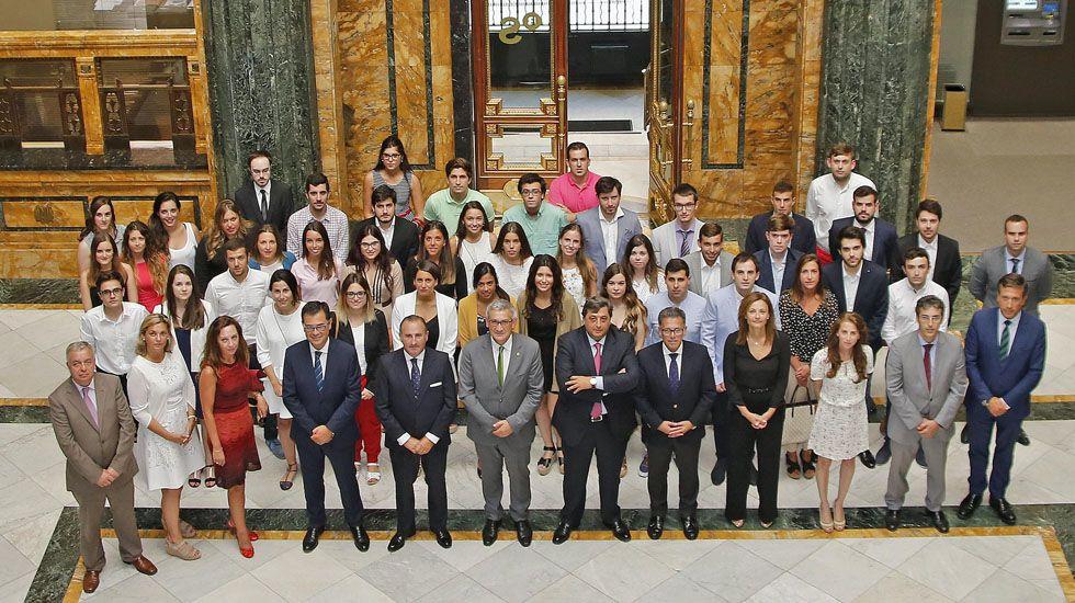 Entrega de diplomas a los becarios de SabadellHerrero.Entrega de diplomas a los becarios de SabadellHerrero