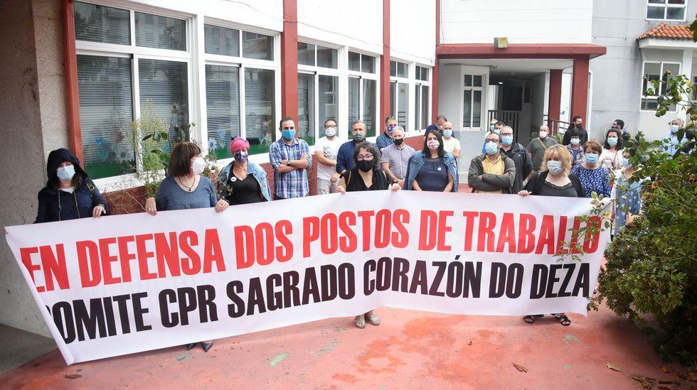 Los trabajadores de Alcoa San Cibrao cortan el tráfico en O Castelo.Pablo Iglesias y Pablo Casado, en el Congreso de los Diputados