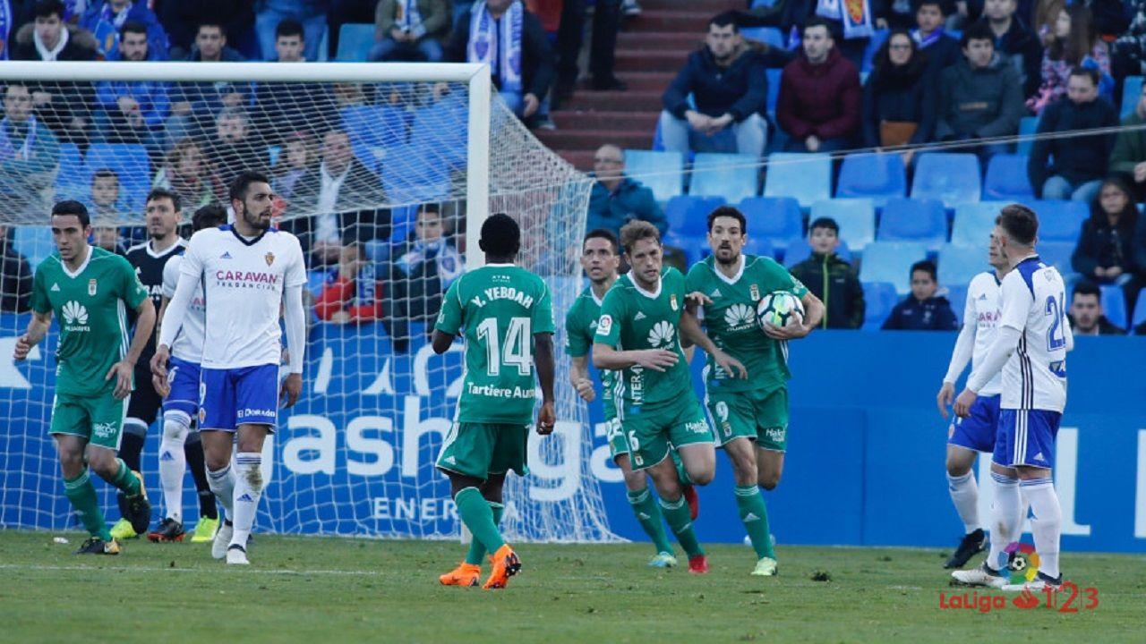 Carlos Hernandez Horizontal.Los jugadores del Oviedo celebran el 2-1 de Carlos