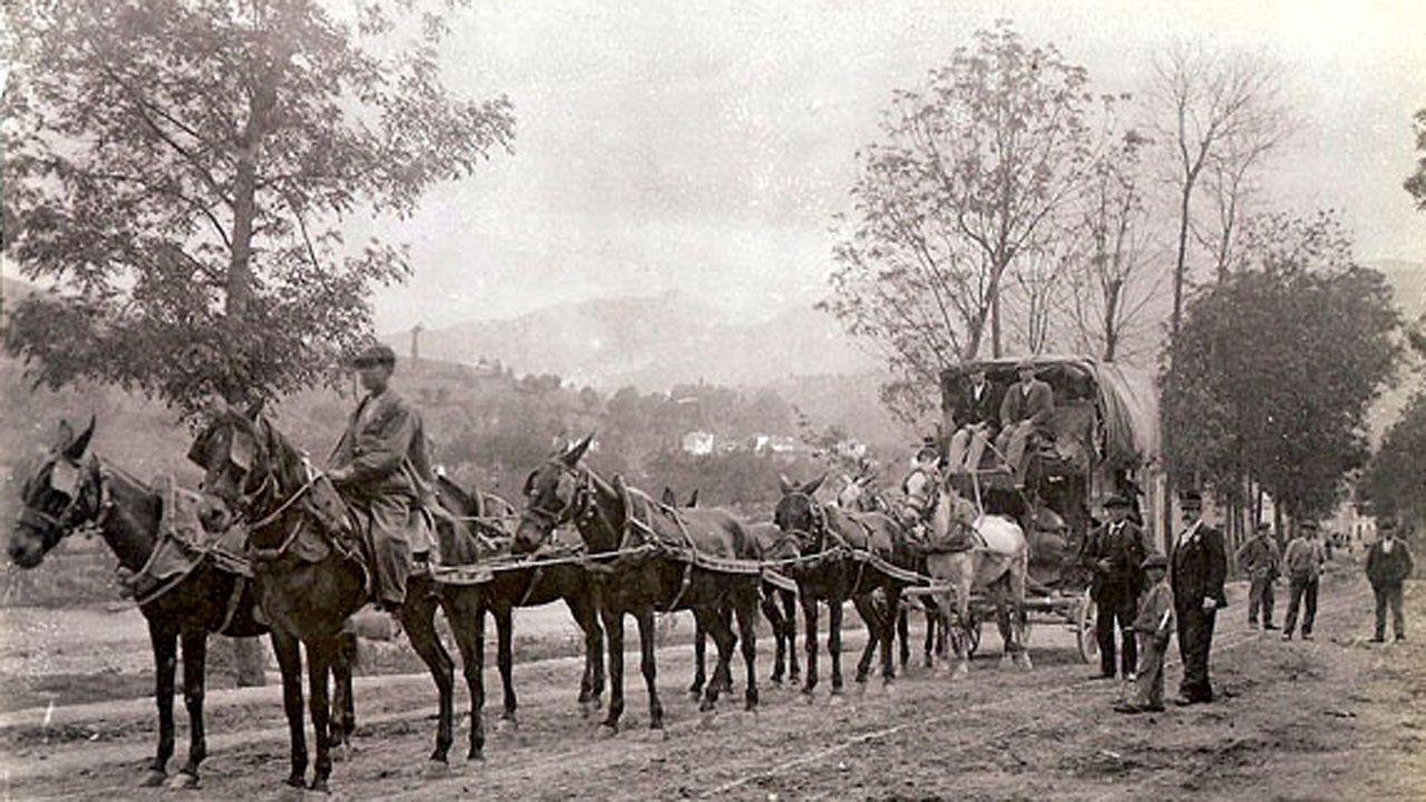 Un carruaje que hacía el trayecto entre Oviedo y Tineo, a mediados del siglo XIX