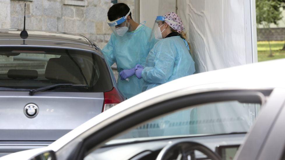 Valeria Merlo, aplicando un tratamiento en la Clínica de Medicina Estética de la doctora Mosquera