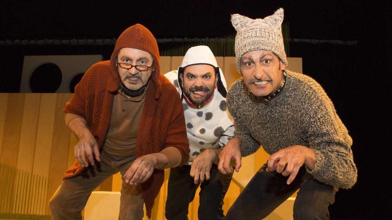 Unha escena de «Vida de cans», espectáculo  do grupo Talía Teatro, que forma parte do ciclo