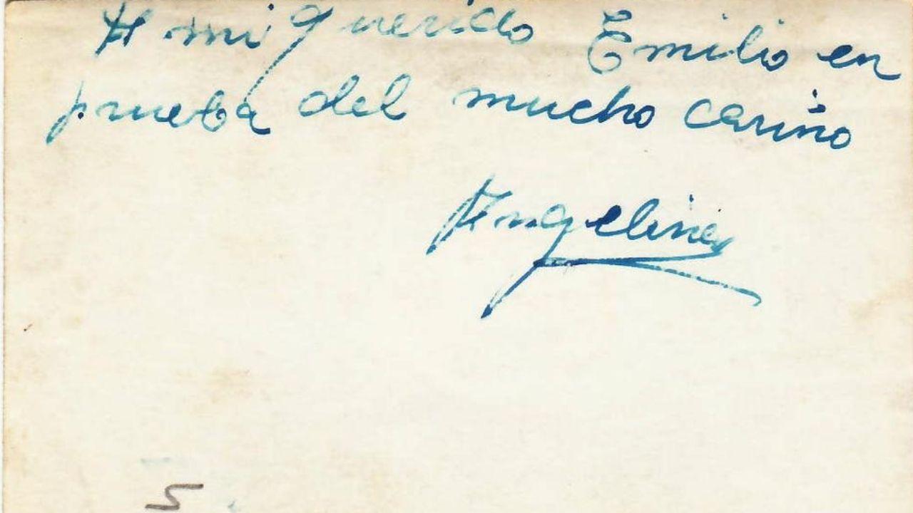 Reverso de una de las fotografías que Emilio tenía de su novia: «A mi querido Emilio en prueba del mucho cariño, Angelines».