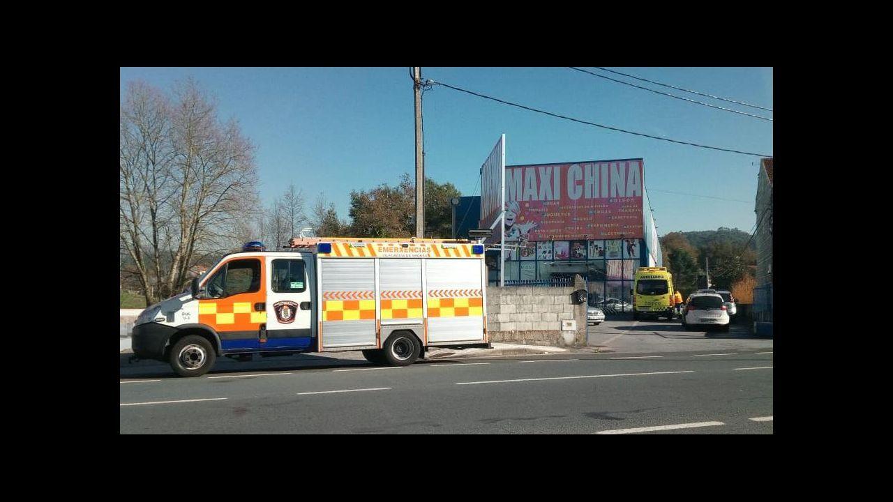 Accidente en Elviña con seis vehículos y un autobús implicados