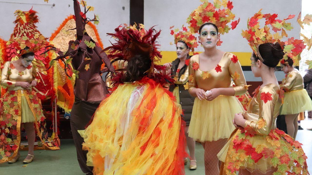 ¡Mira aquí las imágenes del miércoles de carnaval en barbanza!
