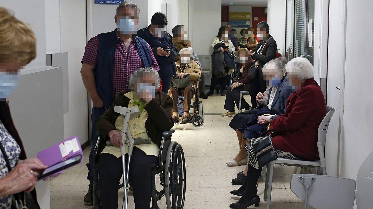 Vacunación contra el covid-19 en el Chuac
