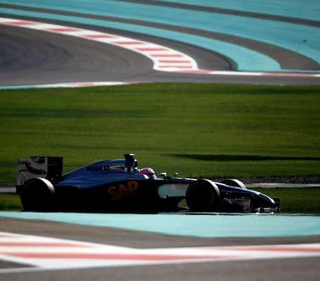 Primer día de entrenamientos en Jerez.El McLaren de Jenson Button en Abu Dabi, la última carrera del 2014.