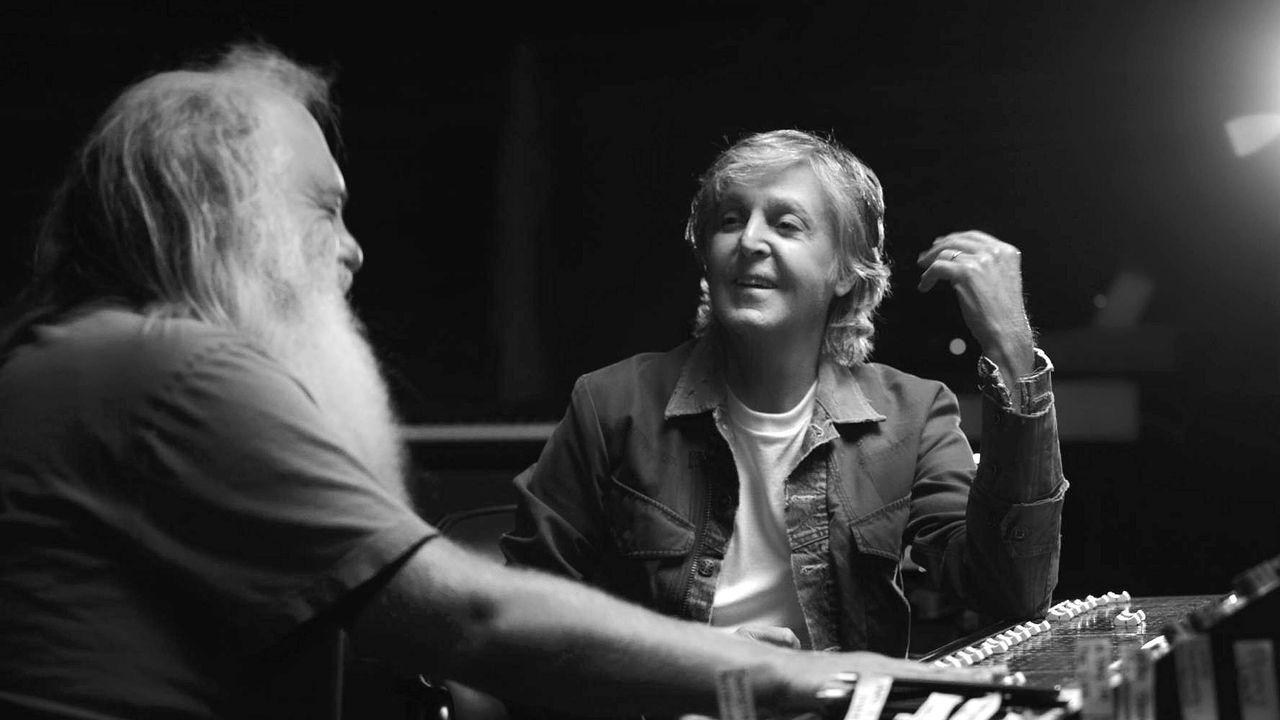 Rick Rubin y Paul McCartney, en plena conversación.