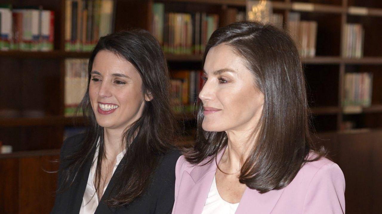Irene Montero y la reina Letizia, en un acto del día 6 de marzo