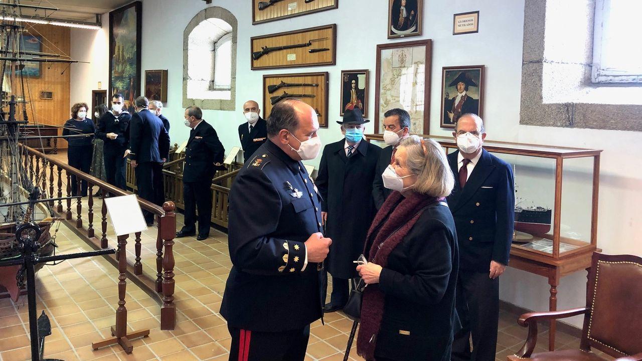 El Museo Naval acogió un homenaje al artífice del Museo Naval de Ferrol, Leopoldo Boado, ya fallecido. Su viuda, Elisbeth Liebing, descubrió una placa en en su recuerdo en la sala que exhibe los restos de la fragata Magdalena