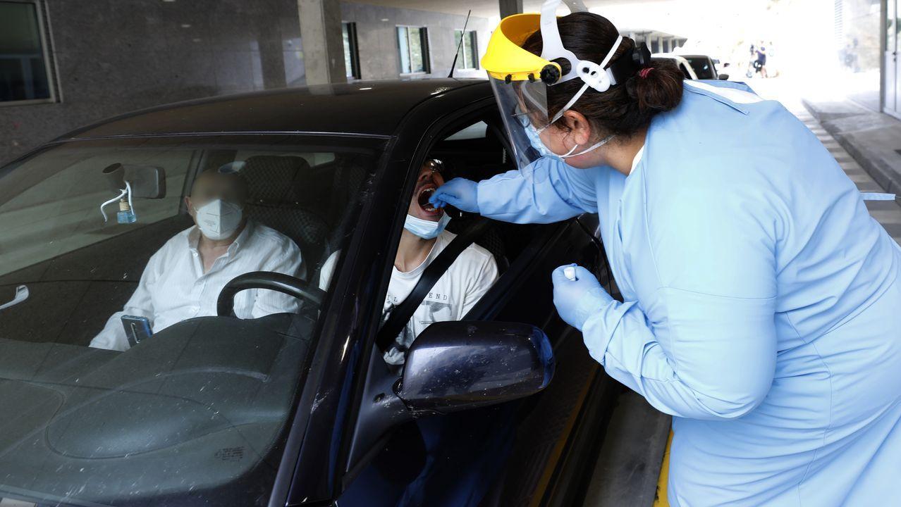 En el hospital de Burela y los centros de salud mariñanos se trabaja intensamente para tratar de acotar el brote detectado en la comarca