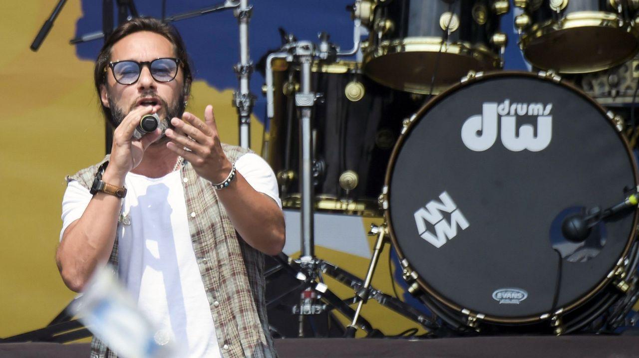 El argentino Diego Torres durante su actuación en el concierto en el puente fronterizo de Tienditas, en Cúcuta (Colombia)