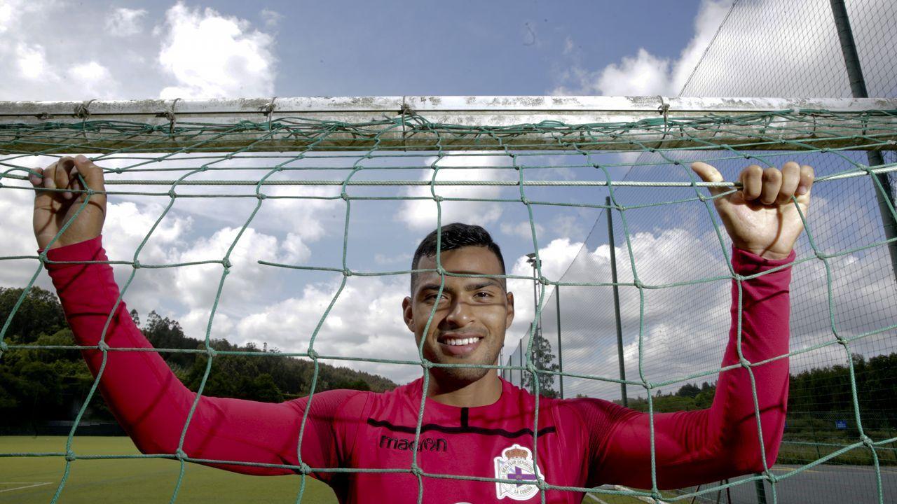 Las fotos del Deportivo - Mallorca.Nahuel posa en la ciudad deportiva de Abegondo