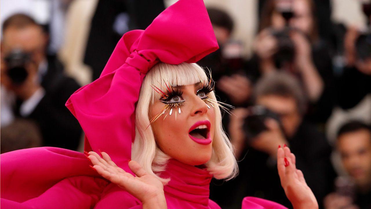El estriptis de Lady Gaga, la cabeza de Jared Leto y otras extravaganciasde la gala MET