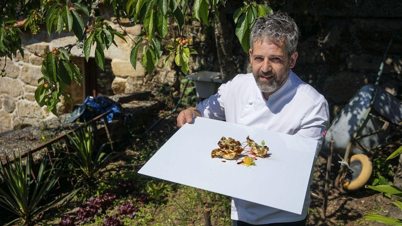 MIGUEL GONZÁLEZ. El chef ourensano acaba de incorporar una huerta a su restaurante.