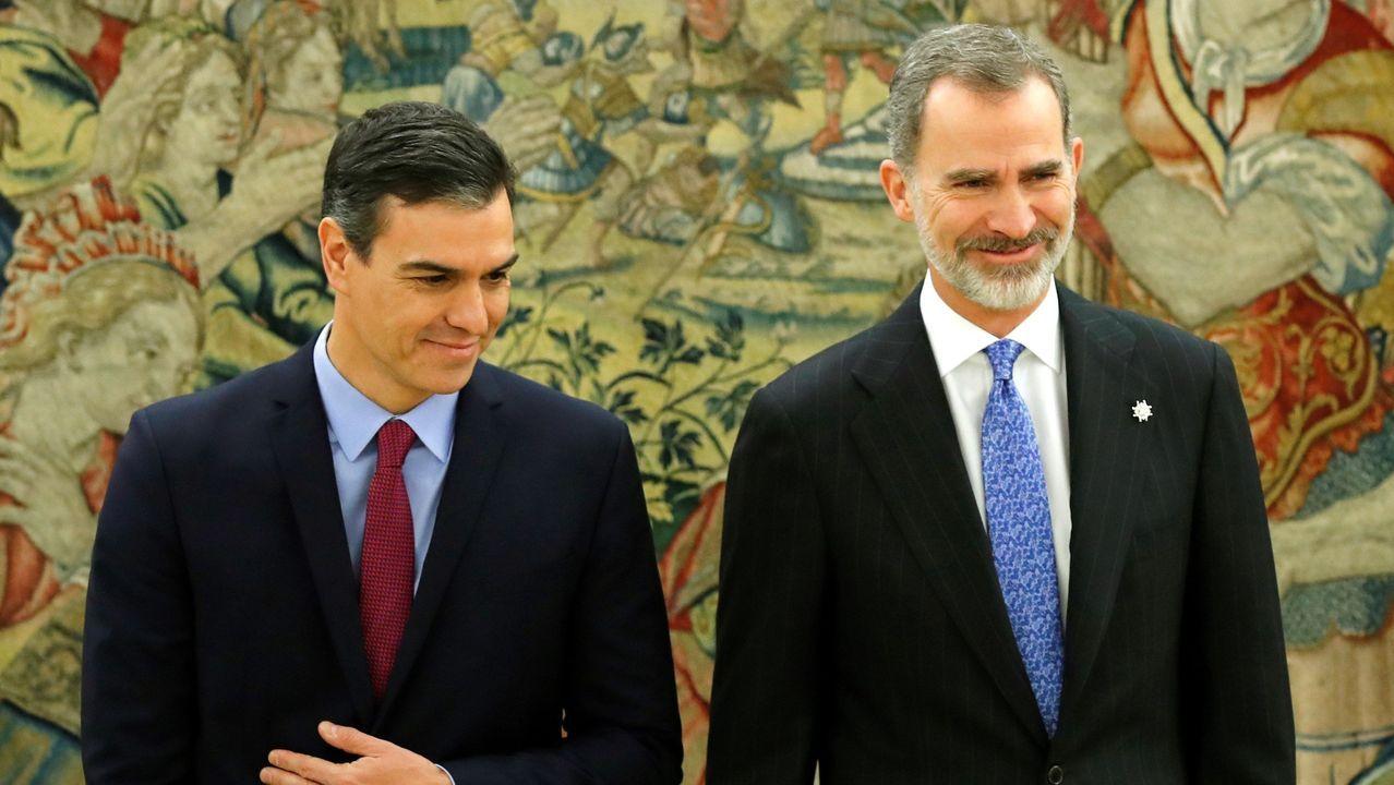 Pedro Sánchez comunica la composición del nuevo Gobierno de coalición.No despacho da súa casa non hai ordenador: aquí mandan o bolígrafo e o papel
