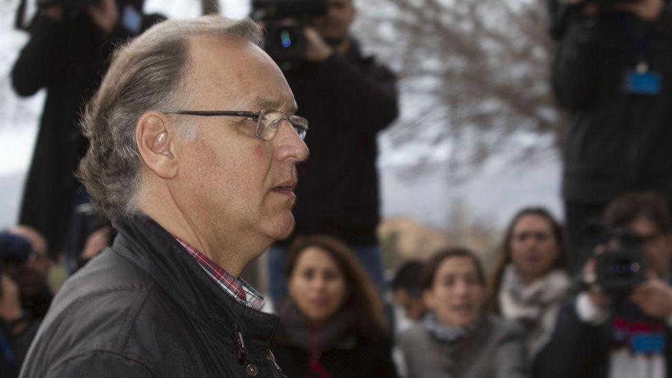 Las acusaciones particulares, PSPV-PSOE y Manos Limpias, piden once años de prisión para el exvicealcalde de Valencia, Alfonso Grau.
