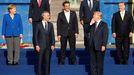 Víktor Orbán, a la derecha, ríe un comentario de Donald Trump durante una cumbre de la OTAN en el 2018