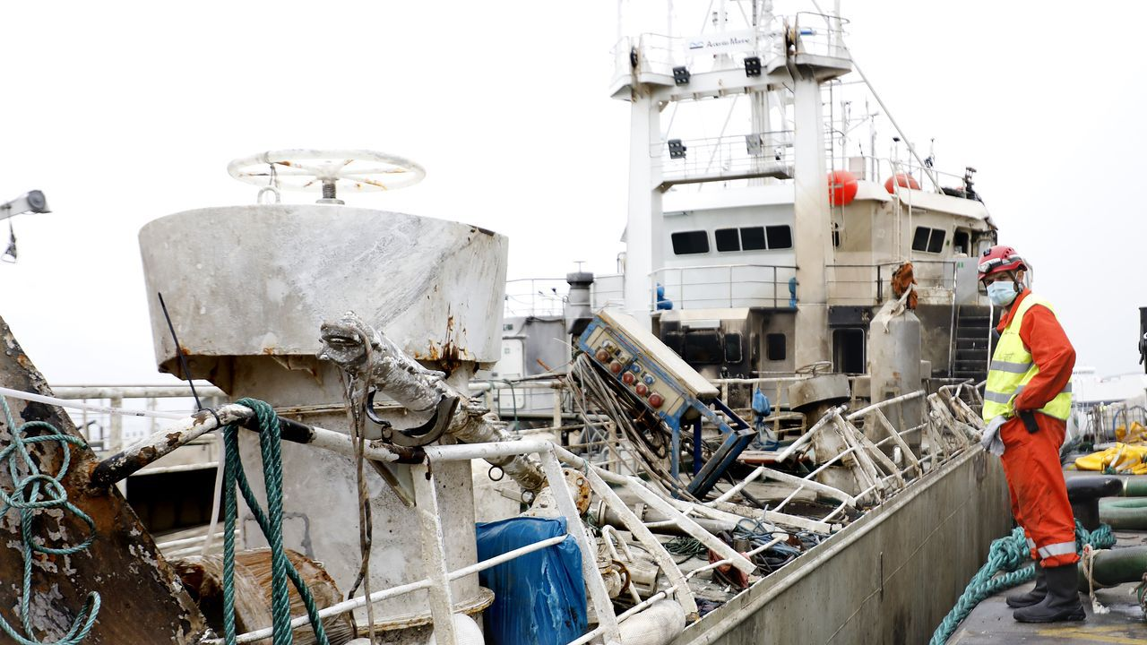 El Pesca 2 rescató a dos pescadores recreativos, padre e hijo.La fragata Cristóbal Colón (F-105) capitanea la flota de la SNMG-2 de la OTAN