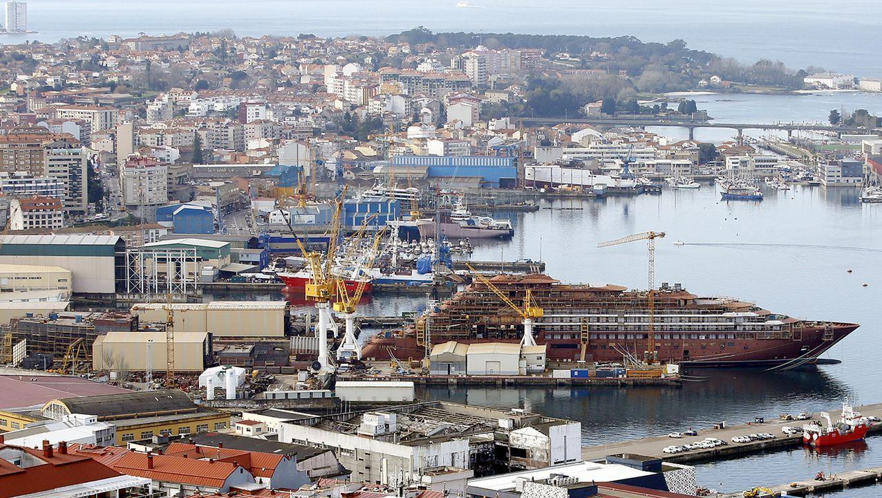La Policía Nacional detiene al exdirector general de PEMEX en Málaga.Entrada principal del astillero Barreras, en donde la actividad ayer era mínima