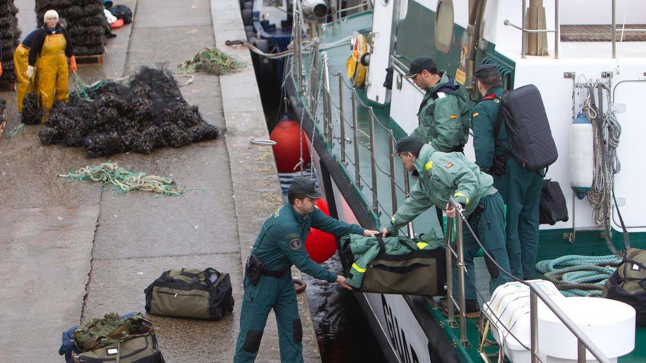 Operativo policial en Cangas por el narcosubmarino