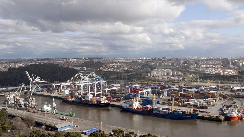 Vista de una de las terminales de contenedores de la empresa lusa
