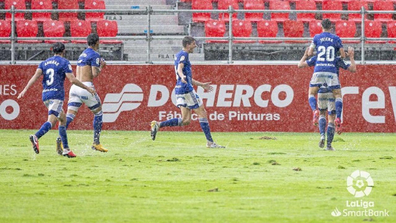 gol Sangalli Real Oviedo Mirandes Anduva.Los futbolistas del Real Oviedo celebran el gol de Sangalli al Mirandés