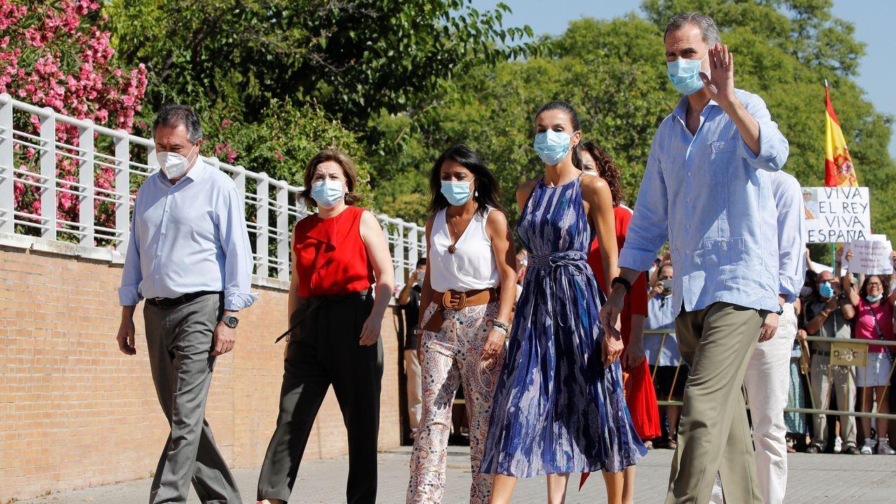 Colas que no cesan ante el Banco de Alimentos de Lugo.Representantes de Cáritas, Cruz Roja y O Viso se reunieron con la alcaldesa, Elvira Lama