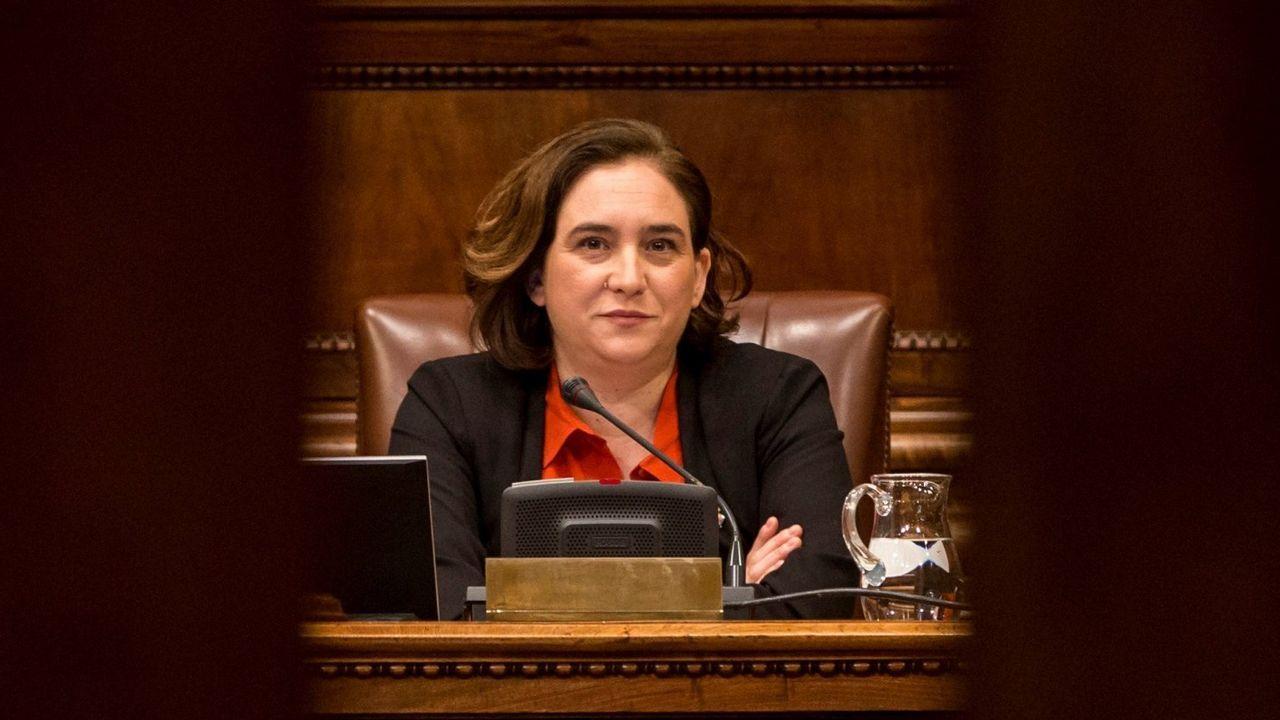Ada Colau no acudirá a la recepción de mañana al rey con motivo del Mobile World Congress.Colau durante un pleno en el Ayuntamiento de Barcelona