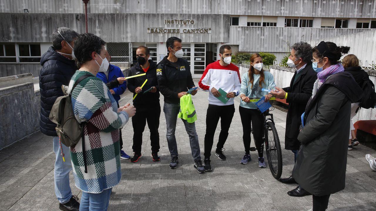 Concierto de Andrés Suárez en el auditorio Mar de Vigo dentro del festival TerraCeo.El alcalde de Pontevedra entregó material de la campaña SUMA al IES Sánchez Cantón