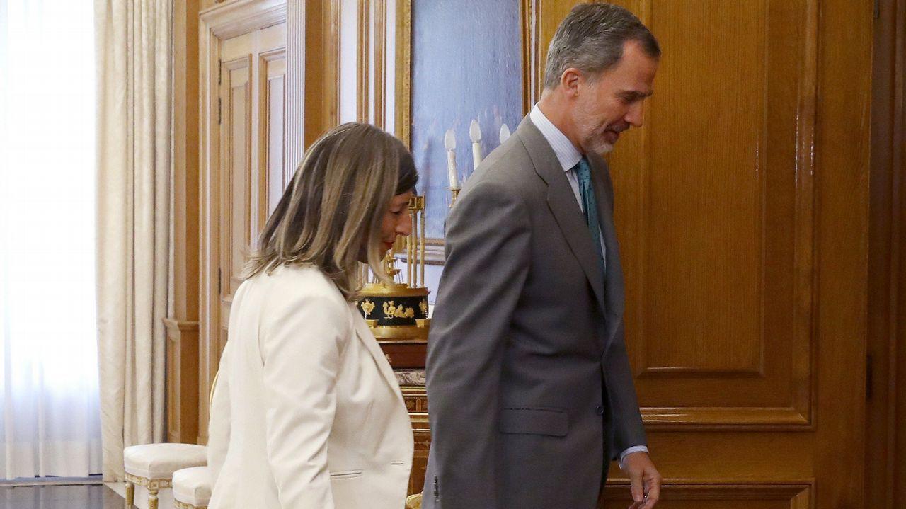 EN DIRECTO: Pedro Sánchez comparece después de que el rey le haya encargado formar Gobierno.El primero en visitar al rey fue el diputado del Partido Regionalista Cántabro, José María Mazón