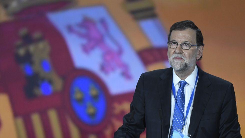 Rajoy recuerda «con gratitud» a Aznar en el primer Congreso sin el expresidente.Entierro del falangista José Utrera Molina, suegro de Ruíz Gallardón